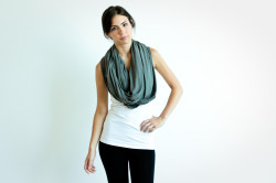 Encircled_CircleScarf_Grey_LG