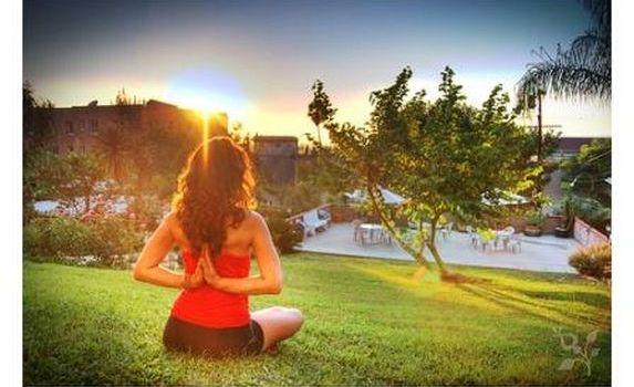 YogaGirlbyCanon_in_2D