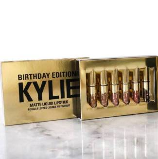 kylie-jenner-kylie-cosmetics-birthday-collection-instagram-5__oPt