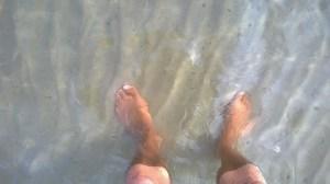 Füsse im Wasser