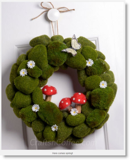 moss-mushroom wreath