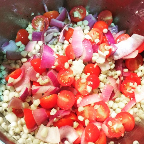 Pan with 1TB olive oil, onions, corn, red onion and garlic