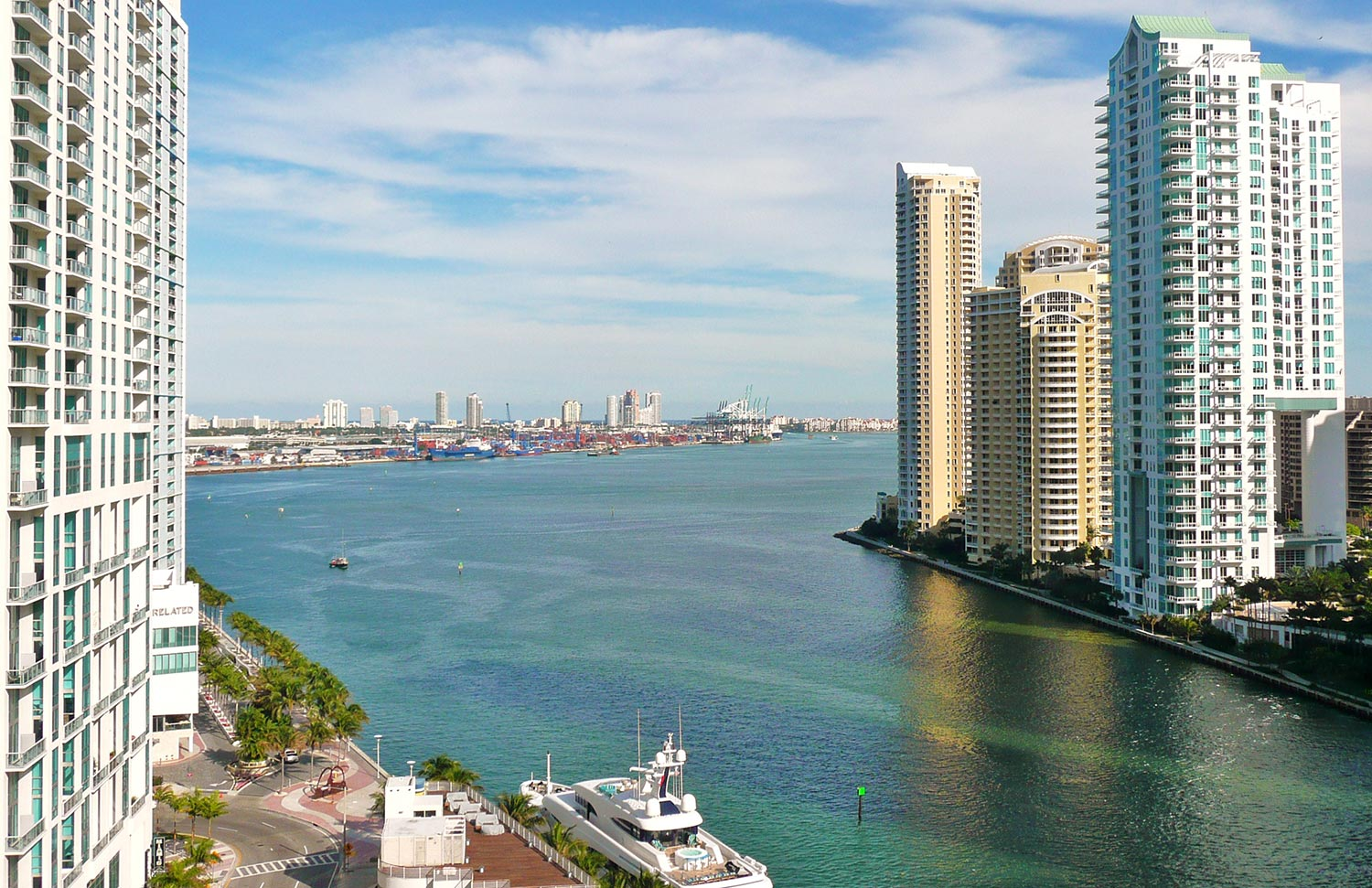 Mouth_of_Miami_River_20100211