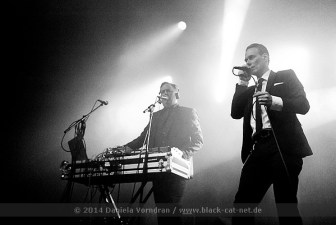 Covenant beim Electronic Dance Art Festival am 29.12.2014 in der Batschkapp Frankfurt / Main