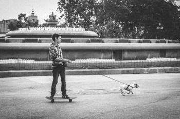 Le SKATEBOARDER et son CHIEN - Photographie (30*40cm) (2015)