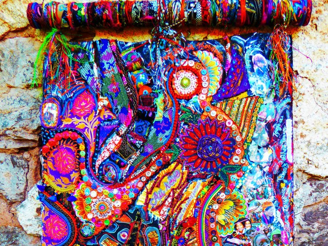 TOUJOURS JAMAIS ABANDONNER - Collages textiles multi-matières et peintures acryliques (55x88cm) 2018