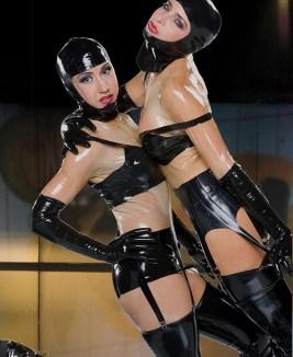 fetish-girls-wearing-black-latex-from-fetisso
