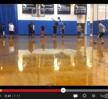 2013 08 29 135435 【動画】ワイヤーアクションの様な驚愕ドッチボール美技凄技