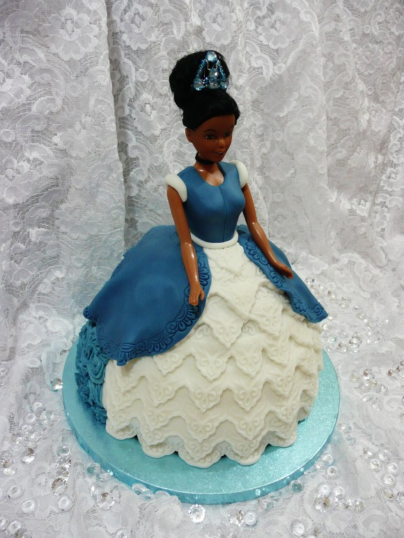 cinderella-golden-doll-cake1
