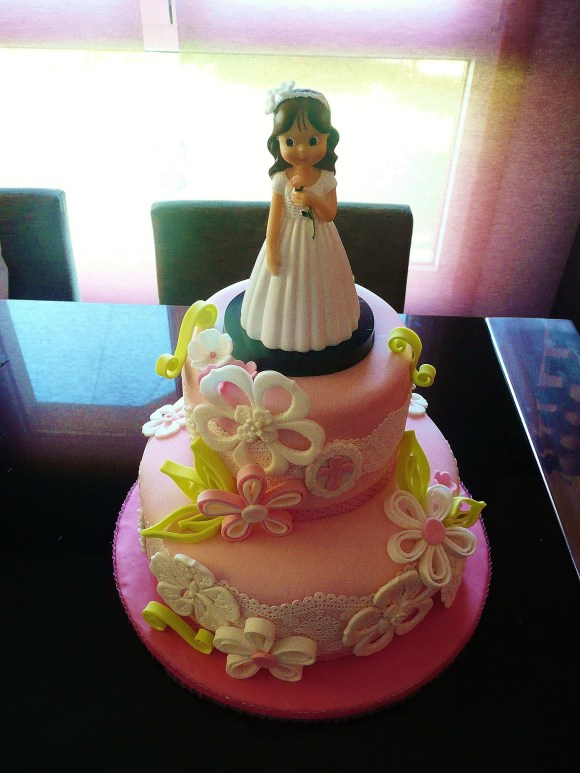 first-communion-girl-cake