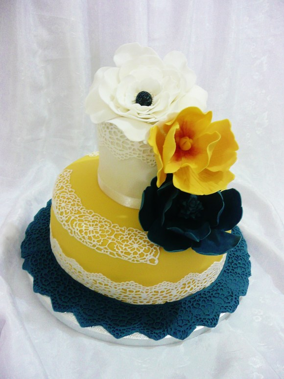 spring-flowers-wedding-celebration-cake