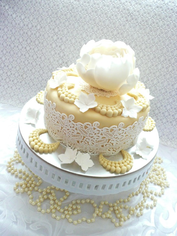 peony-laces-ivory-cake (7)