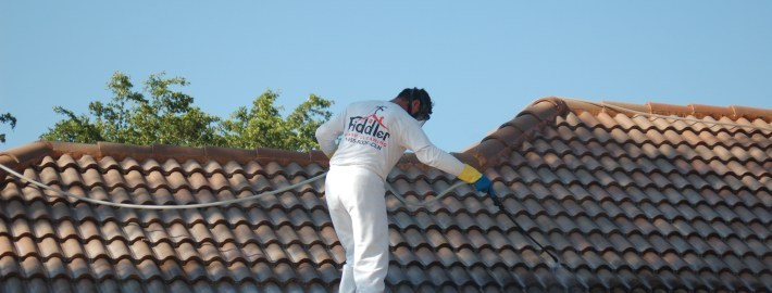 Cleaning Your Roof the Right Way! How the Professionals Get It Done