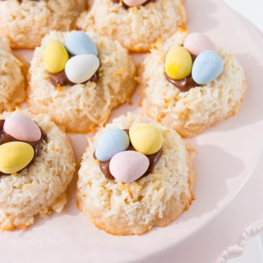 easter-coconut-macaroons-2