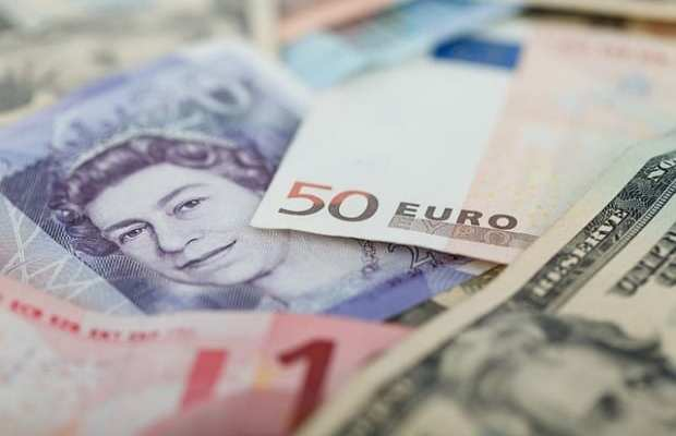 3 ways to handle foreign exchange volatility when investing overseas