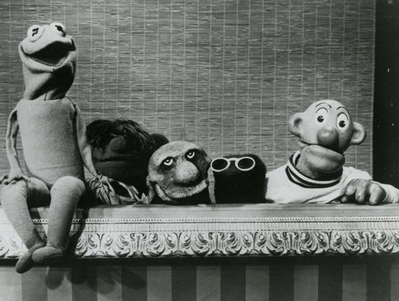 Sam and Friends - Kermit, Yorick (trzeci od lewej), Harry Hipster, Sam.