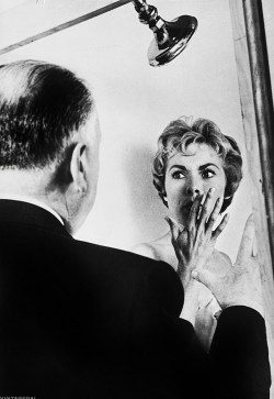 alfred-hitchcock-and-janet-leigh-on-the-set-of-psycho-1960