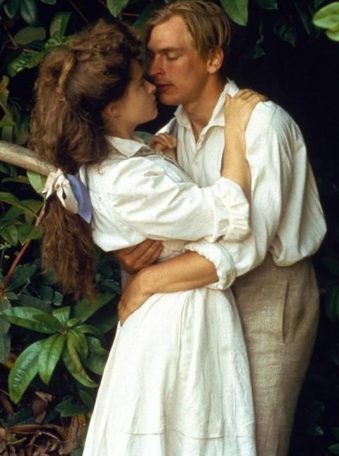 room-with-a-view-a-1985-001-helena-bonham-carter-julian-sands-intimacy