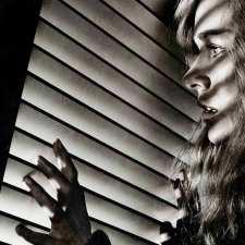 SHUT IN. OSACZONA. Naomi Watts w potrzasku