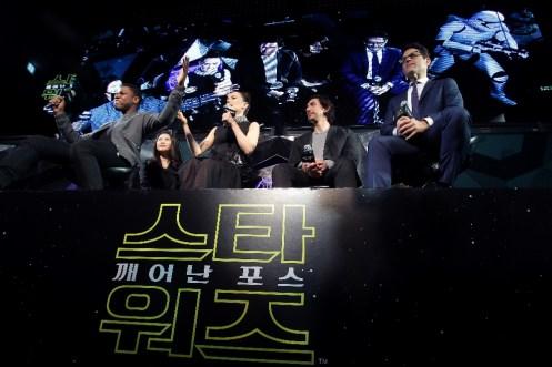 star-wars-force-awakens-fan-event-premiere-korea-20