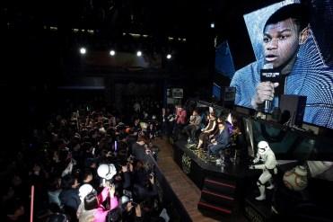 star-wars-force-awakens-fan-event-premiere-korea-22