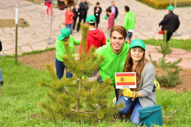 thawdar-zin_tree-planting