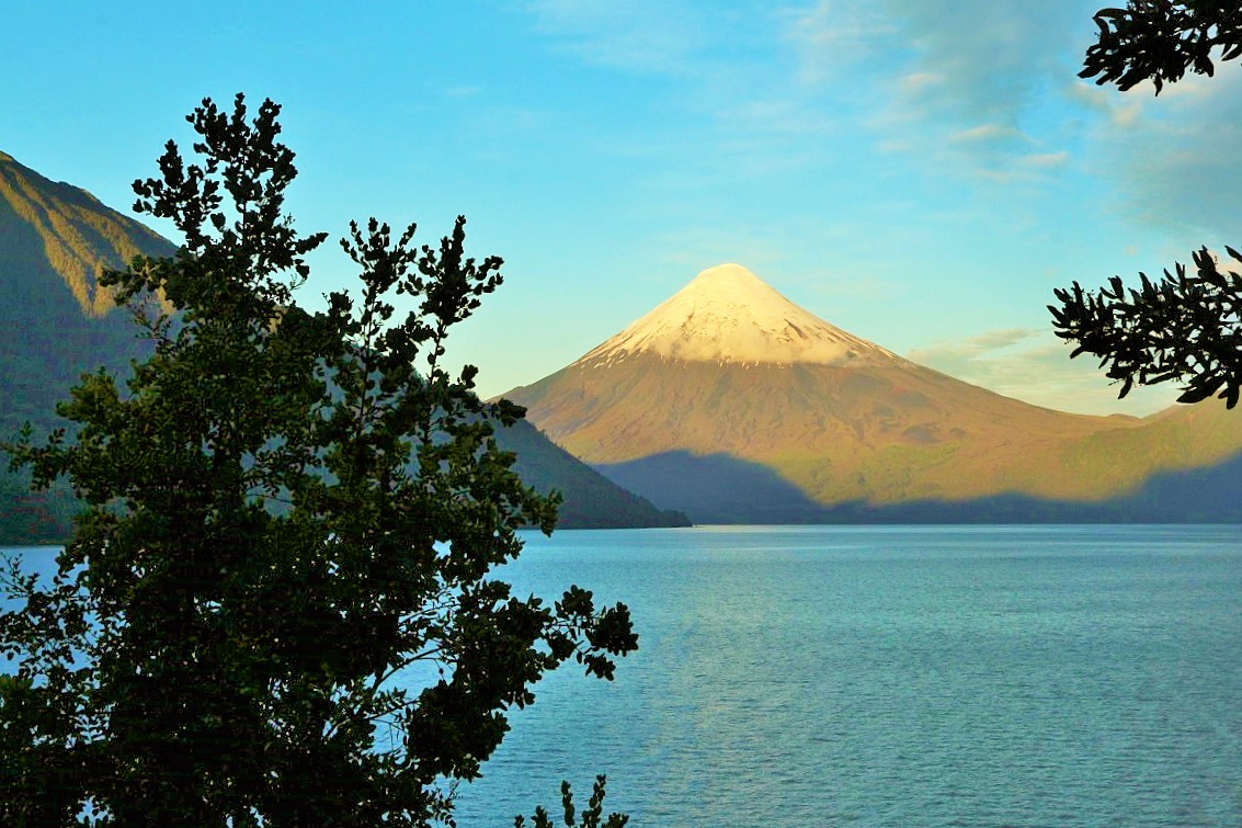 Volcán Osorno y Lago de Todos los Santos.