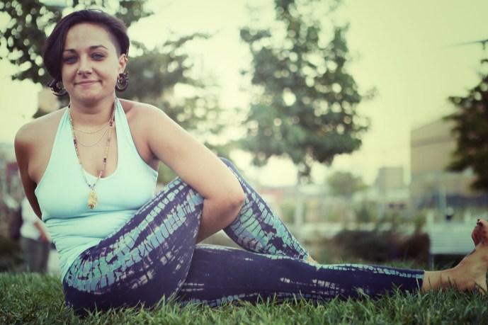 jenna-yoga-shot-7