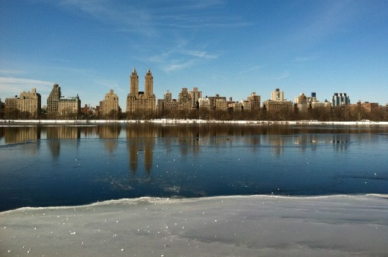 The Best Places to Run in NYC (as chosen by New York Running Bloggers). Whether you want to check out iconic Central Park, a skyline view, or running on the beach, NYC based running bloggers have you covered with these amazing places to run in New York City!If you're looking for an NYC running route that not every tourist will be running, this is your guide! |travel| |running| |NYC|