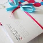 einladung_schleife_blau_pink_papierzauber