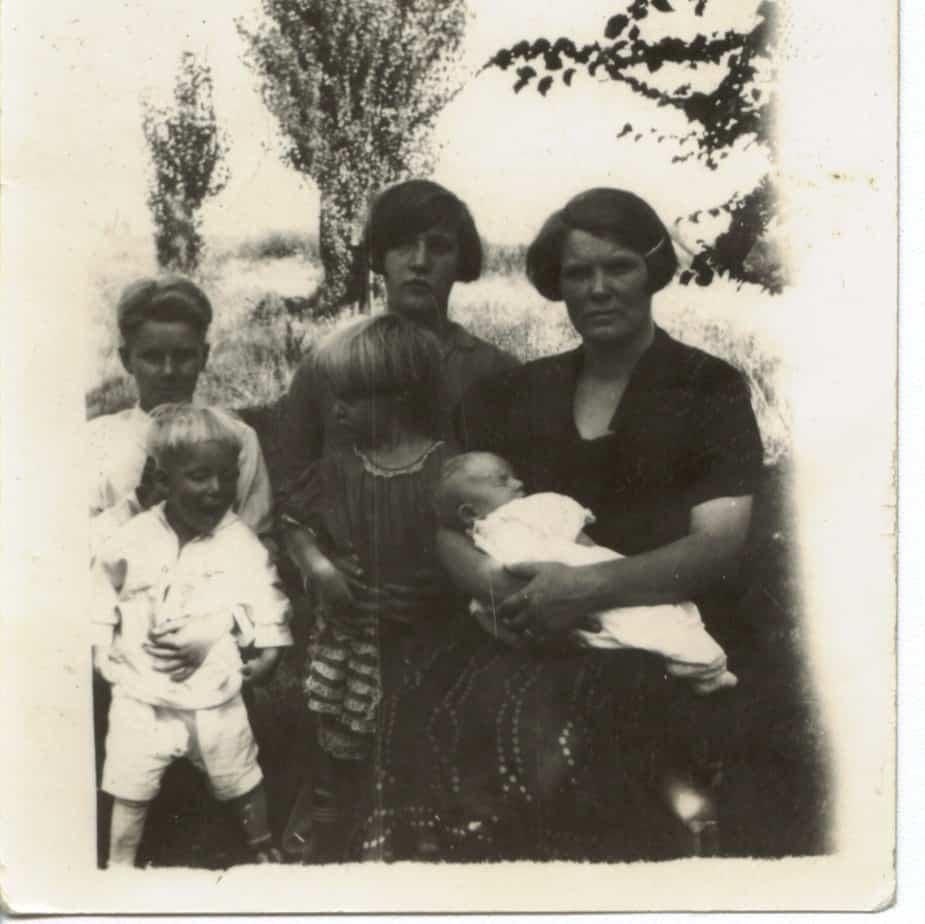 Nora Farnworth and her children