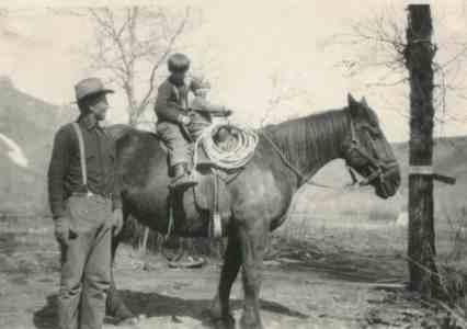 Farnworth kids on horseback