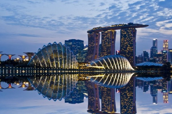 nature-landscapes_hdwallpaper_gardens-by-the-bay-in-singapore_15090-750x417