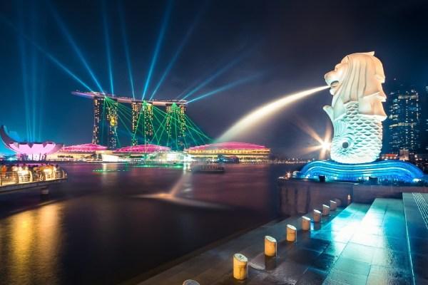 1475048077433_singapore
