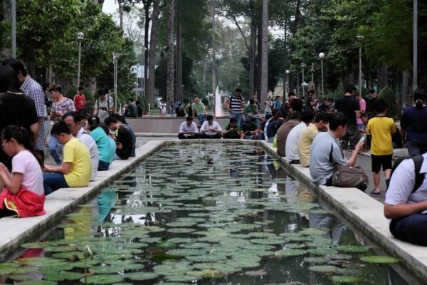 vietnam-smartphone-users