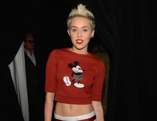 miley-cyrus-a-ose-l-imprime-mickey