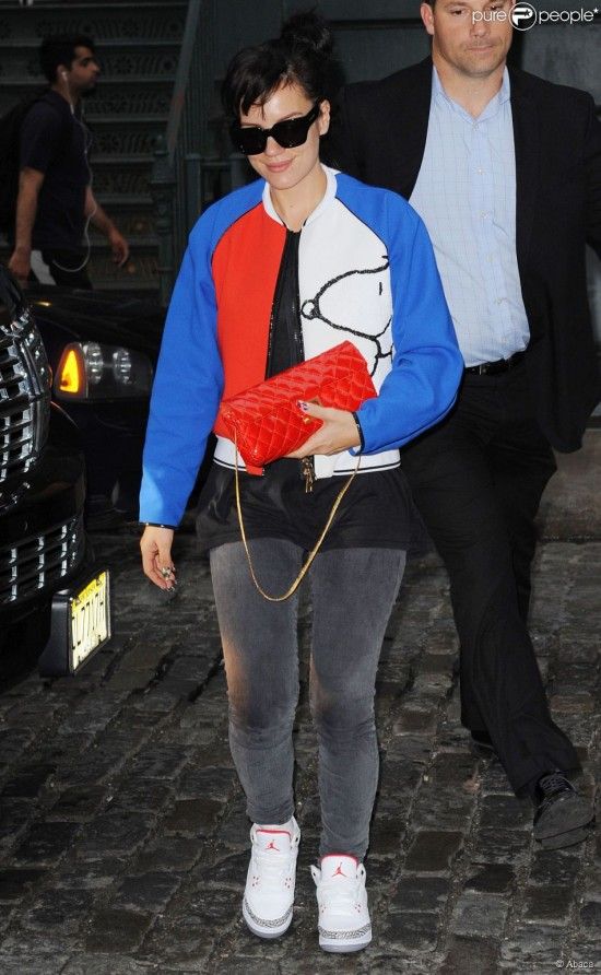 1471103-lily-allen-arriving-at-her-hotel-in-new-950x0-1