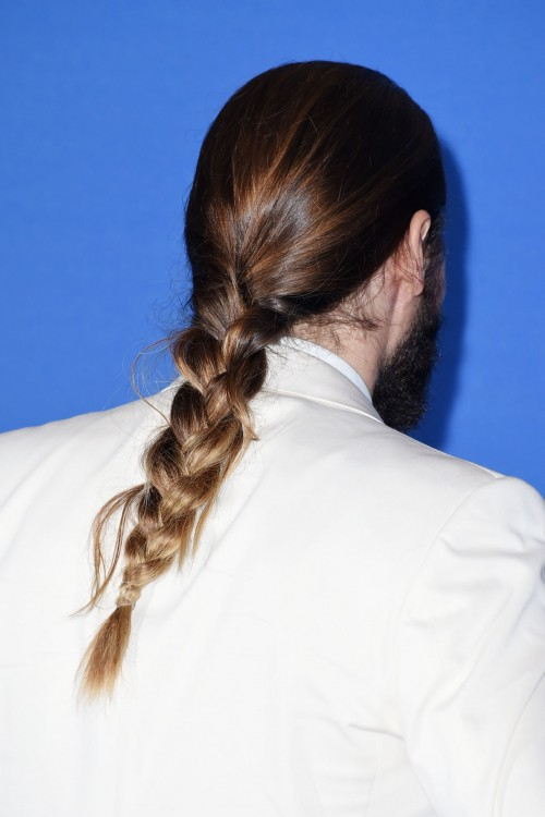 Jared-Leto-man-plait-Vogue-13Jan15-Getty_b