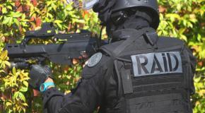Deux individus arrêtés par le Raid après le vol d'un coffre-fort, d'une arme et de bijoux