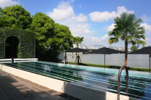 Cool off in this pool overlooking Chao Praya River.