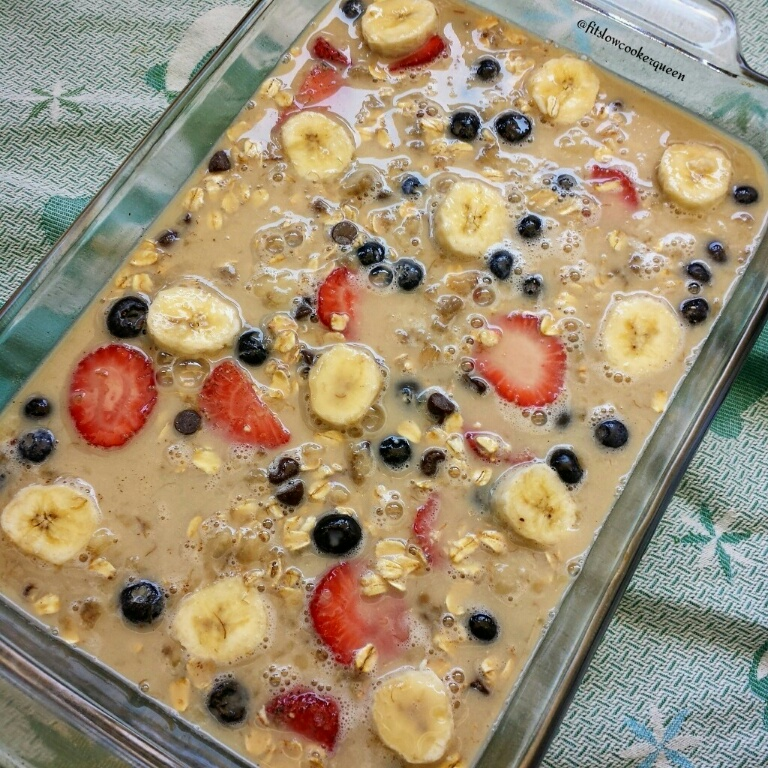 Banana-Berry Oatmeal Bake