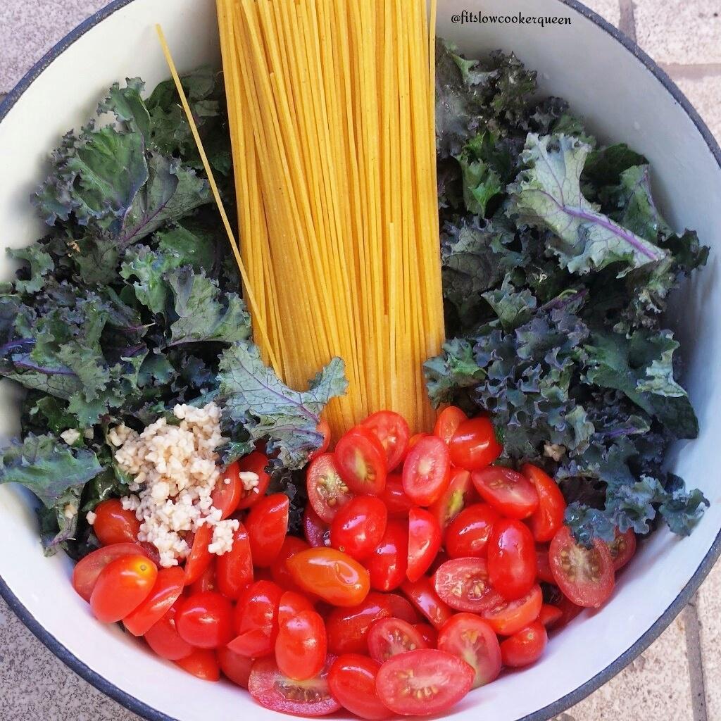 Kale & Tomato One-Pot Pasta