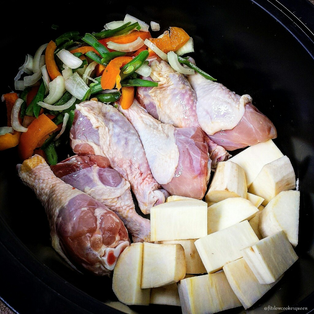 Slow Cooker Chicken, Veggies, and Potatoes