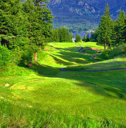 photo credit http://www.oregongolf.com/courses/stevenson/skamania-lodge/