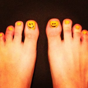 Happy Toes!! #nails #smiley