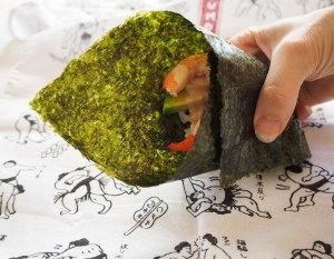 The easy way to enjoy sushi together – Temaki (hand rolled) sushi