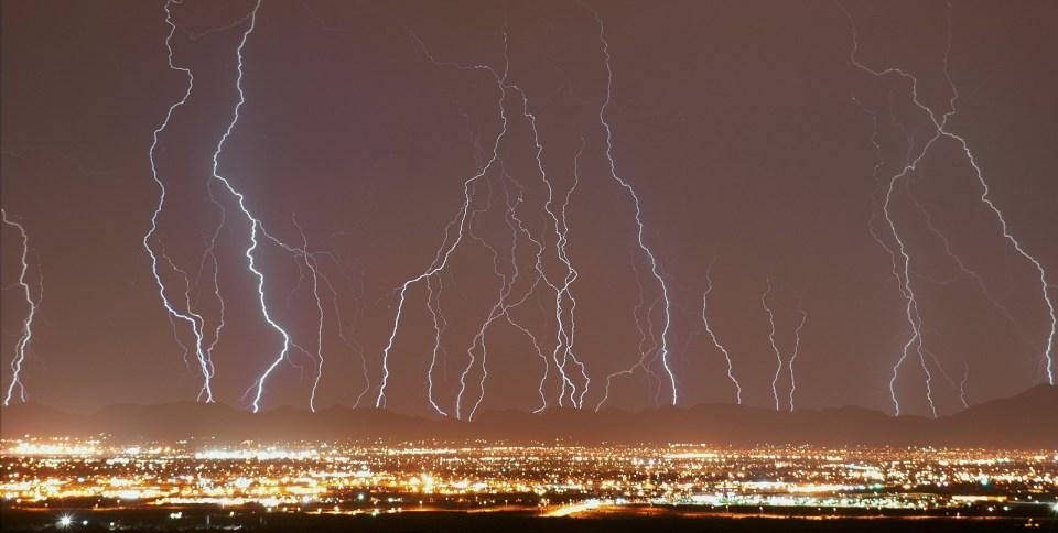Stunning Lightning Strikes (10)