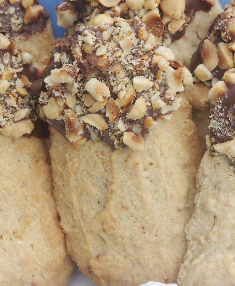Hazelnut Shortbread Stick Cookies | Flamingo Musings