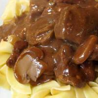 Crockpot Beef Tips & Gravy