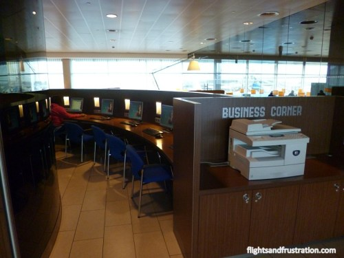 Business Corner and work desks at the KLM Crown Lounge